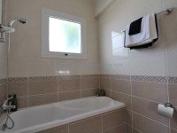 14_ANT101DP_Main_Bathroom