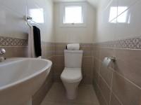 17_ANT101DP_Bathroom_2